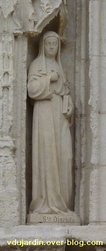 Poitiers, église Sainte-Radegonde, le portail, 6, sainte Disciole