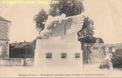 Le monument aux morts de Sorigny par Gaumont, carte postale ancienne, 2, vue de face