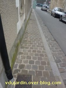 Poitiers, 18 février 2011, trottoir, 01, rue Piorry
