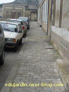 Poitiers, 18 février 2011, trottoir, 02, place de la cathédrale