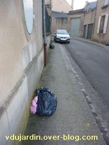 Poitiers, 18 février 2011, trottoir, 07, rue Saint-Vincent-de-Paul