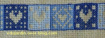 VDB 38, 1, des coeurs brodés (SAL bienvenue 2011 de Défi de toile)