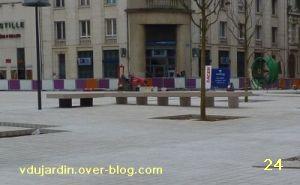 19 mars 2011, Poitiers, défi des bancs, 10, place d'Armes