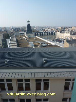 5 mars 2011, 4, depuis le parking Carnot, le lycée Victor Hugo