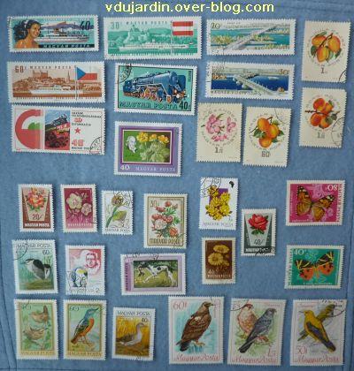Des timbres hongrois, 3, bateaux, fleurs, papillons, etc.