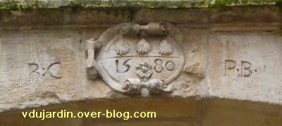 Poitiers, date de 1580 sur un portail