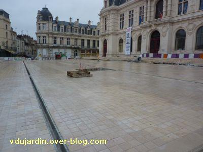 Poitiers coeur d'agglo, 26 février 2011, 3, la place et les nouveaux escaliers