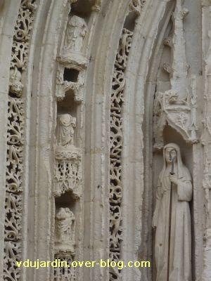 Poitiers, portail de Sainte-Radegonde, rouleau central, 2