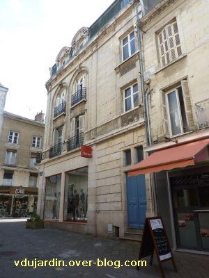 Poitiers, 36 rue Grimaux, 1, façade