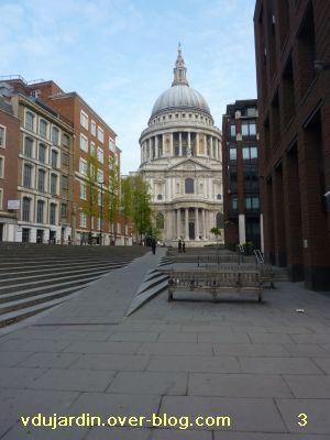 Londres, 17 avril 2011, défi APN escaliers, 3, entre la passerelle du millénaire et la cathédrale
