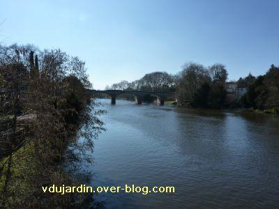 Confolens, le pont Babaud-Laribière depuis l'aval