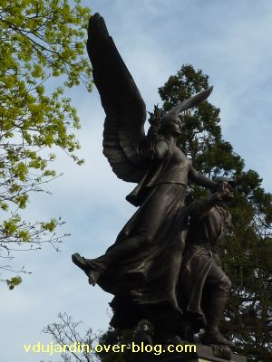 Poitiers, le monument aux morts de 1914-1918, 2, la Victoire