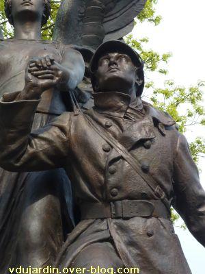 Poitiers, le monument aux morts de 1914-1918, 3, le soldat