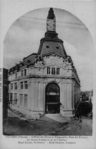 La grande poste de Poitiers, carte postale ancienne