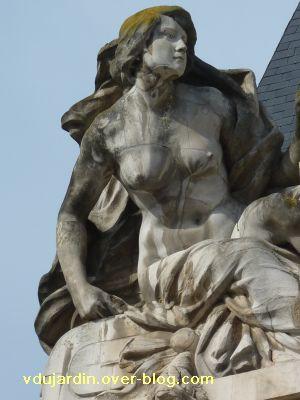 Poitiers, complément de la grande poste, 4, détail de l'allégorie féminine
