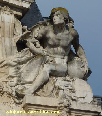 Poitiers, complément de la grande poste, 5, l'allégorie masculine (Hermère ou Mercure)