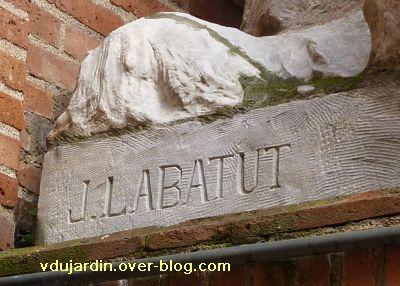Toulouse, fontaine Labatut rue Boulbonne, 2, signature