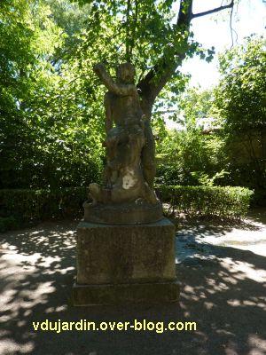 Tours, le monument à Rude par Becquet, 1, vue générale