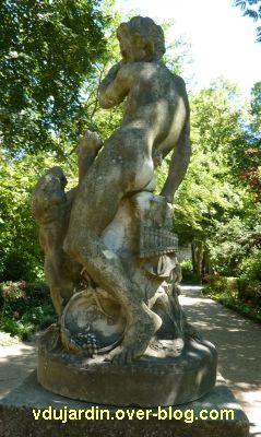 Tours, le monument à Rude par Becquet, 5, le monument vu de dos