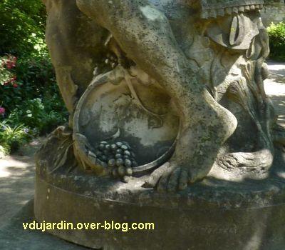 Tours, le monument à Rude par Becquet, 8, détail de la vigne