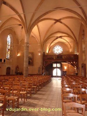 Confolens, l'église Saint-Maxime, 6, l'intérieur