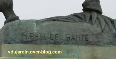 Paris, monument de Joffre par Réal del Sarte, 4, la signature du sculpteur Maxime Real del Sarte