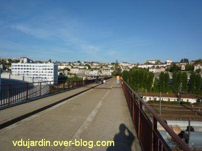 Poitiers, la Grande Passerelle, 1, vers Poitiers Ouest