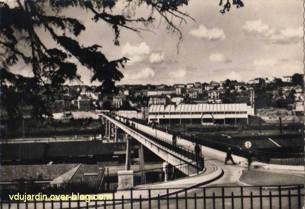 Poitiers, la Grande Passerelle, 6, vue ancienne, vers les Rocs