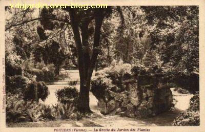 Poitiers, le jardin des plantes, carte postale ancienne, 2, la grotte