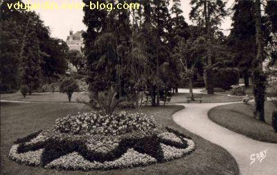 Poitiers, le jardin des plantes, carte postale ancienne, 6, les parterres