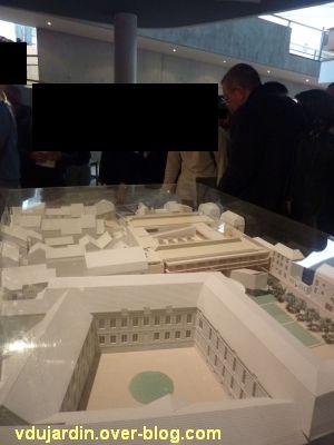 Poitiers, la médiathèque, 1, la maquette avec son architecte