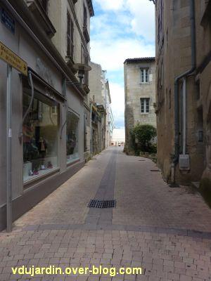 Poitiers, la médiathèque, 4, la rue de la Petite Roue