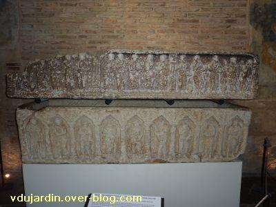 Toulouse, le sarcophage dans l'église Saint-Sernin, 01, vue générale