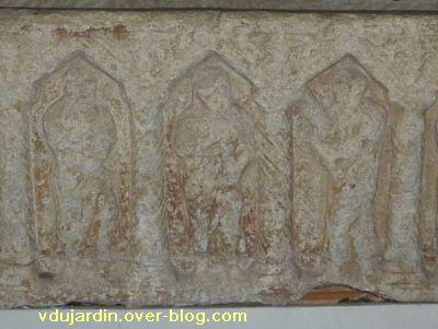 Toulouse, le sarcophage dans l'église Saint-Sernin, 03, le Christ entouré de Pierre et Paul