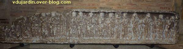 Toulouse, le sarcophage dans l'église Saint-Sernin, 06, le couvercle