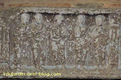 Toulouse, le sarcophage dans l'église Saint-Sernin, 07, la partie centrale du couvercle