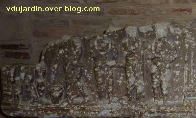 Toulouse, le sarcophage dans l'église Saint-Sernin, 08, la partie gauche du couvercle