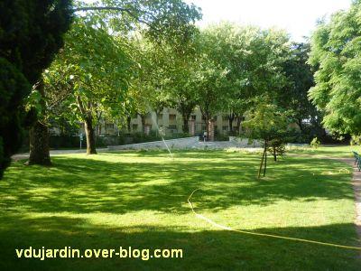 Tours, le jardin des plantes, 12, arrosage par temps de sécheresse