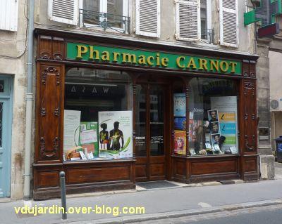 Défi photo, du bois, Poitiers, 3, devanture de la pharmacie rue Carnot