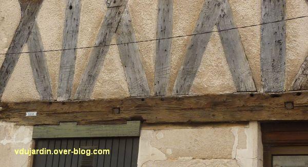 Défi photo, du bois, Poitiers, 4, pan de bois avec marques rue des Vieilles Boucheries