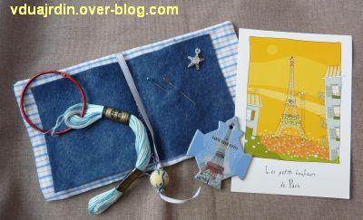 Echange d'été de Miss Fil, 3, pique-épingle, fil bleu et deux tours Eiffel