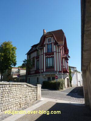 Défi photo, du bois, La Rochelle, 7, villa près du rempart
