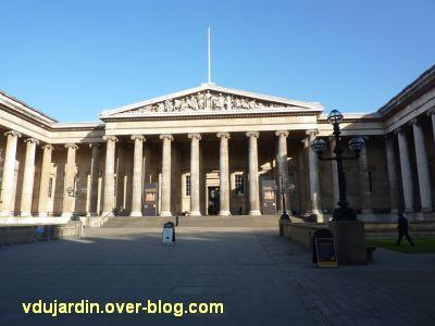 Londres, la façade du British museum