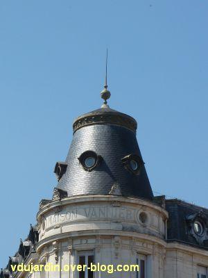 Poitiers, des girouettes, 05, le paratonnerre de la maison Vannier