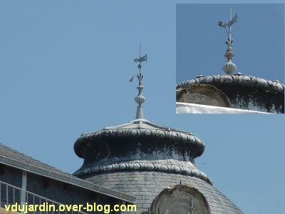 Poitiers, des girouettes, 10, la girouette sur la banque populaire, place d'armes