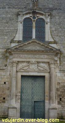 Poitiers, façade de Saint-Jean-de-Montierneuf, 2, le portail