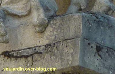 Tours, la charité de saint Martin par Varenne, 2, la signature H. Varenne