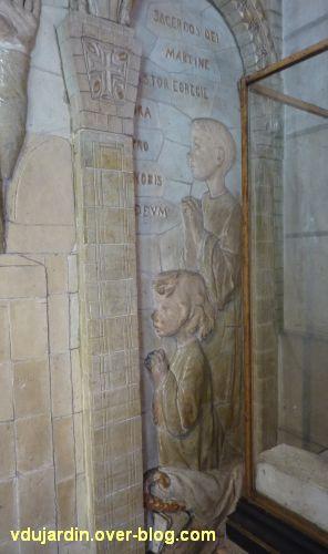 Tours, dans la basilique, la messe de St Martin par Alaphilippe, 05, les enfants à droite