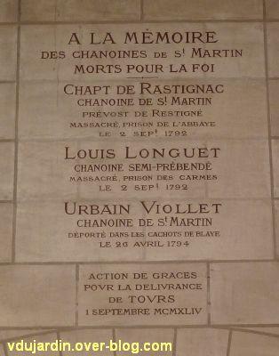 Tours, dans la basilique, plaque commémorative