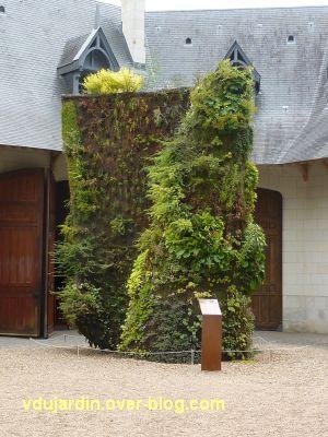 Chaumont-sur-Loire, festival 2011, la spirale végétale de Blanc dans la cour des écuries, 1